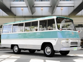 個人でバスを所有するにはいくら必要?必要な手続きは?