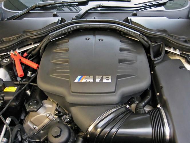 BMW S65B40