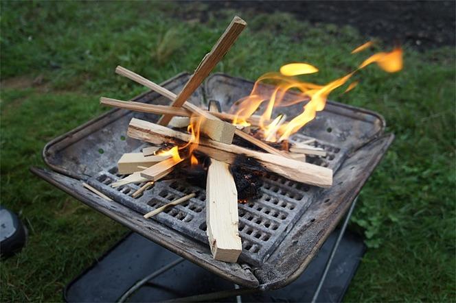 ランタン 焚き火