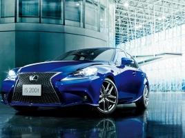 北京モーターショーで改良版レクサス ISが初登場!?どのような車になる?
