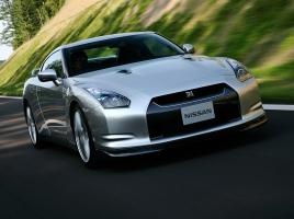 現行GT-R nismoの最高出力は600ps…GT-Rはどのように変化してきたのか?