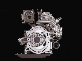 ロータリーエンジンは排気量1300ccなのになぜ馬力が高いのか?