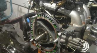 ヴァンケル式ロータリーエンジン