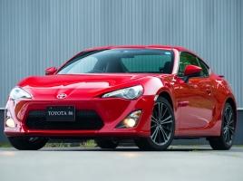 金がなくてもスポーツカーに乗りたい!お手頃国産スポーツカー10選