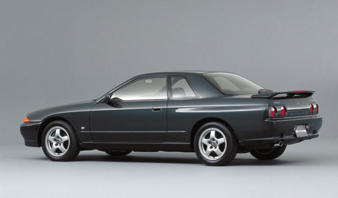 R32 Skyline 2-door Sports Coupe GTS-4