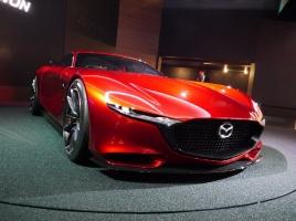デザイン派のマツダが誇る人気13車と中古価格|気になるマツダの株価は?