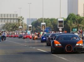 【動画】総額約30億!?ドバイに150台以上のスーパーカーが集結!