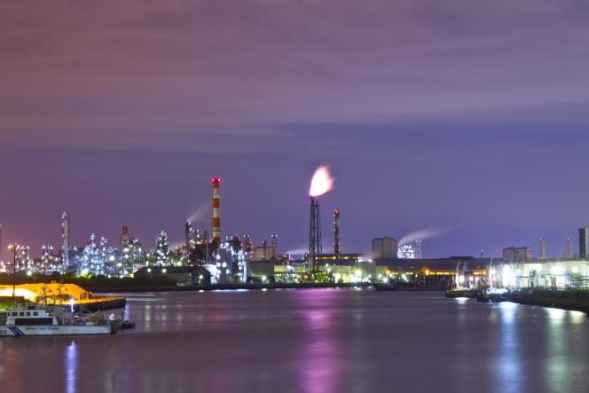 川崎工場 夜景 首都高速道路
