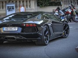 【動画】日伊700馬力バトル!日産GT-R vs ランボルギーニ アヴェンタドール