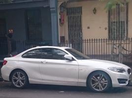 ※人は運転していません BMW 235iが見せる華麗なドリフト