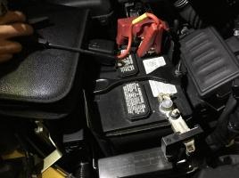 バッテリーが上がった車でもそのまま買取ってもらえる?