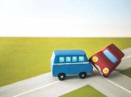 事故車は廃車にすべき?買取にすべき?