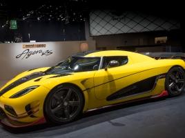 ギネス認定!市販車最速の車とは?