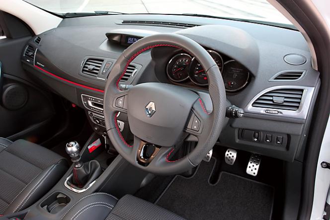 アヘッド ルノー メガーヌ エステート GT220