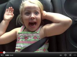 GT-Rの加速に絶叫する少女がかわいい!