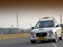 グレード展開豊富なスバル ヴィヴィオの燃費や維持費、評価は?中古相場もチェック!