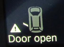 安全のための「半ドア」機能…なぜドアをしめるのに力が必要なのか?