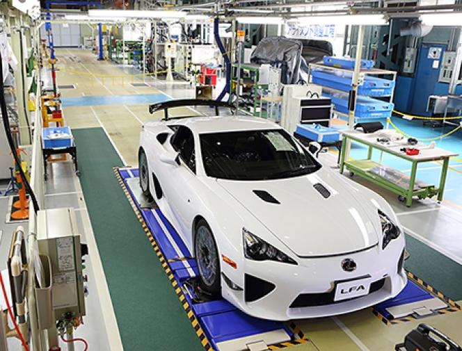 レクサス LFA 工場