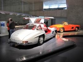 世界最古の自動車メーカー!メルセデス・ベンツの7つの時代!