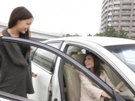 友人や親戚など、他人名義の車を貸し借りする場合の注意点