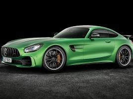 謎の緑の正体はメルセデスAMGの最強「GT R」?!果たしてどんな車に!