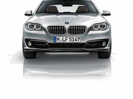 なんとiPad搭載!?BMW 5シリーズのエクステリア・インテリアは上質さと力強さ、使いやすさを完備した