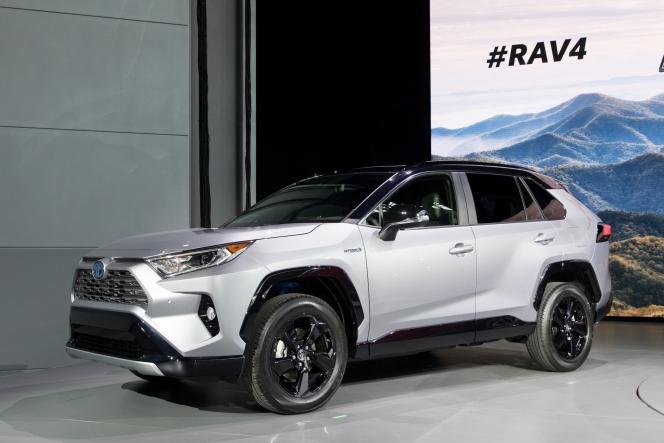 トヨタ RAV4 2018