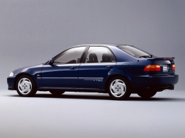 ディアマンテ、シビック、FTO!1990年代前半のカー・オブ・ザ・イヤー受賞車たち!