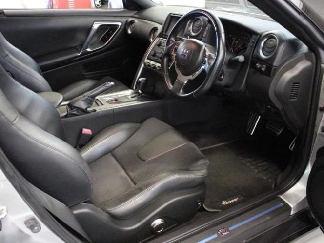 日産 GT-R 2008