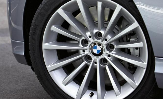 2009 BMW 3-series ホイ-ル