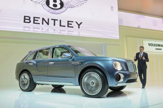 ベントレー SUV