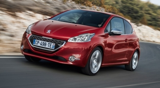 Peugeot 208 Red