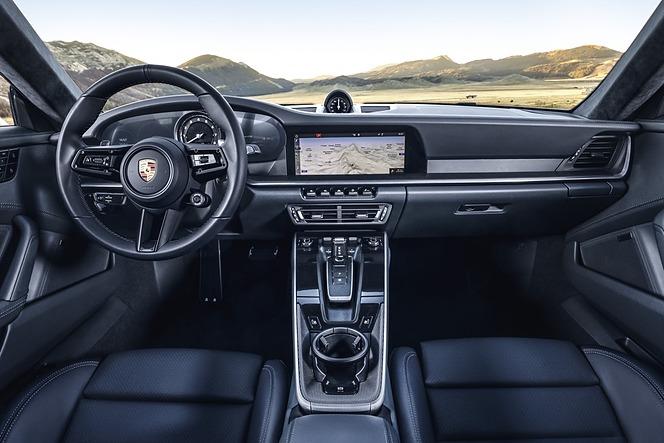 ポルシェ 911 992型