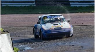 Porche RacingCar Window Wash(caneraman:Smudge 9000)