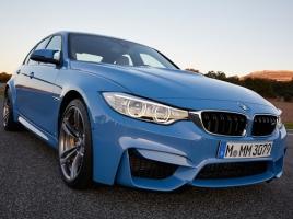 BMW「M3」とアウディ「RS4」…両メーカーを代表するハイスペックカーの性能比較!