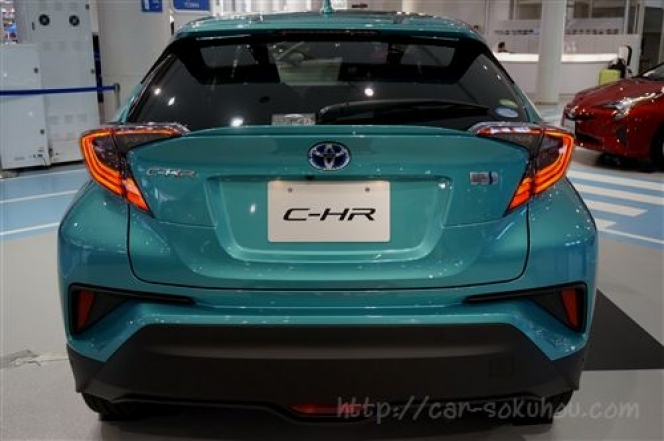 トヨタ C-HR 2017