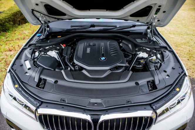 2015 BMW 740i M Sport