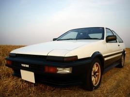 AE86のレビンとトレノは何が違ったのか?中古車価格は?