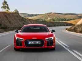 V10のアウディ R8、V8時代から何が変わったか