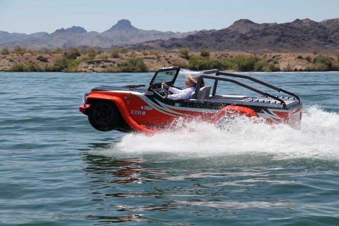 Water car PANTHER 水陸両用車