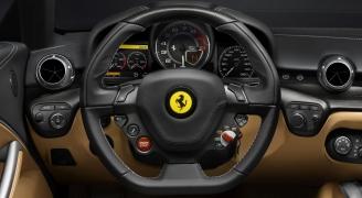 フェラーリ F12ベルリネッタのインパネ