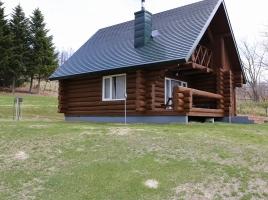 食事、テレビ、コンビニなし?!北海道の大自然の中に建つ一軒のログハウス「癒しの宿」で過ごす、家族との幸せな一時を…
