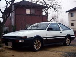 AE86やロードスター…「ドライバーを育てる車」と言われたクルマ4選 !