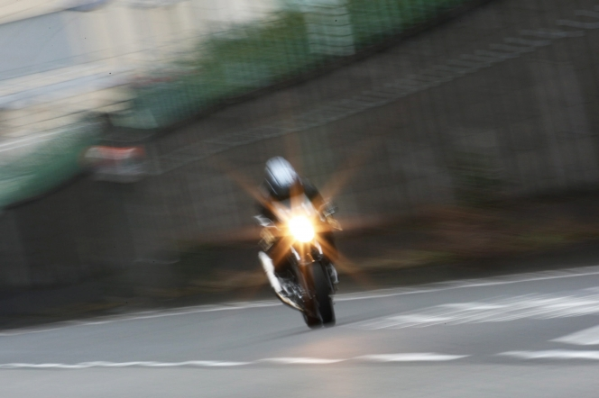 アヘッド バイク走行