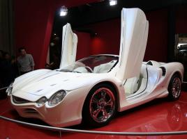 知られざる名車の宝庫!世界に衝撃を与えた光岡の人気車「オロチ」とは?