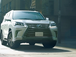同じ1,000万円超SUVでも中身が全然違う!メルセデスGLSとレクサスLX