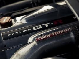 R34 GT-Rのために作られたエンジンRB26DETT、なぜ多くの人を魅了するのか?【動画】