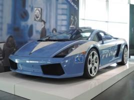 イタリアにはランボルギーニ「ウラカン」のパトカーが存在する!?スーパーカーを採用する理由とは?