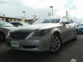 買うなら新車より中古!1000万円のレクサス「LS」が200万円で乗れる時代が来た!