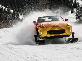 フェアレディZが雪道をスイスイ走る!? 日産が公式に改造!